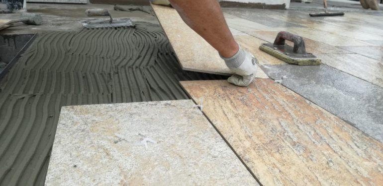 Posa piastrelle terrazzo